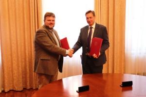 Подписание договора Айзинов (61)